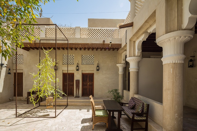 Image of a cafe courtyard in Dubai