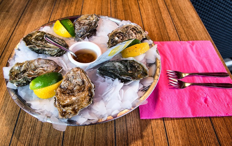 Image of a plate of oysters