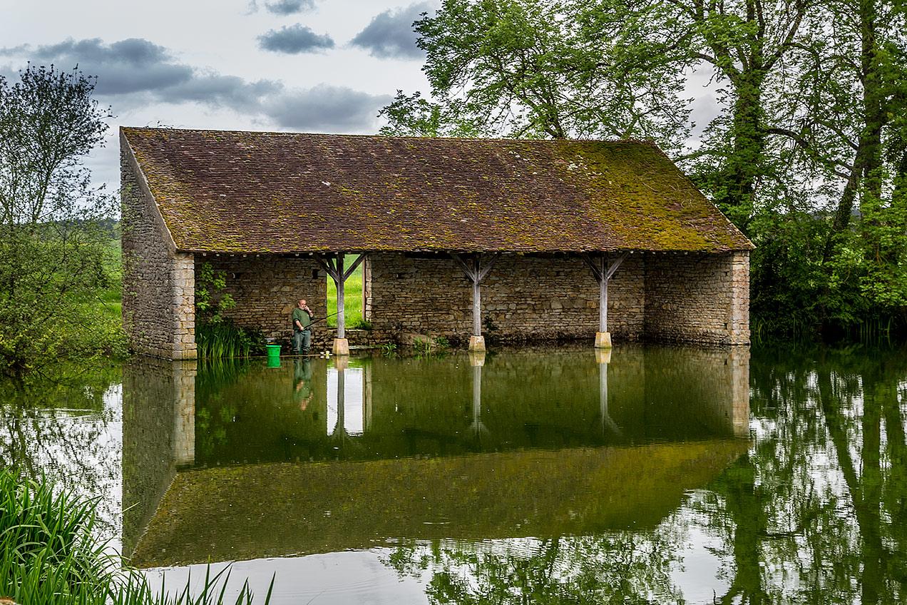 Fishing in Avigny, France