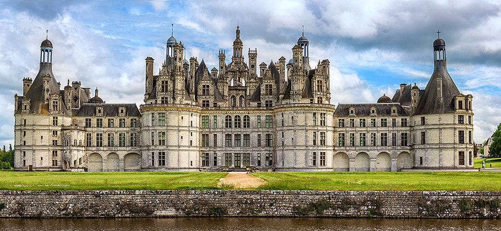The beautiful northwest facade of the Chateau de Chambord