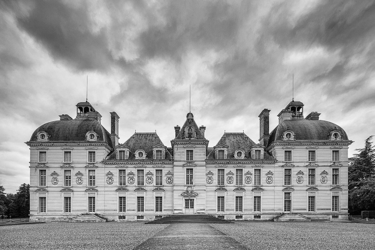 The Château de Cheverny is located at Cheverny, in the département of Loir-et-Cher in the Loire Valley in France