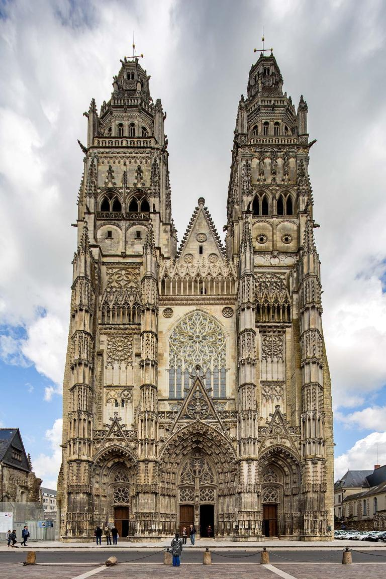 Tours Cathedral exterior