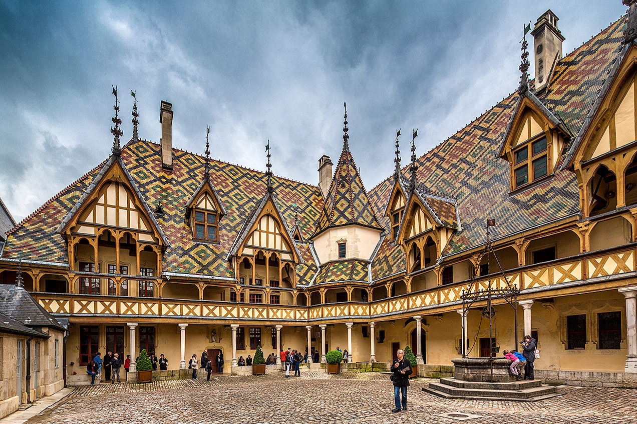 Beaune home of the hospices de beaune and considered to be the capital of b - Visiter hospices de beaune ...