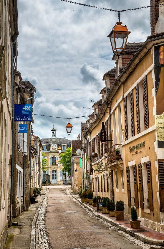 Chablis street scene