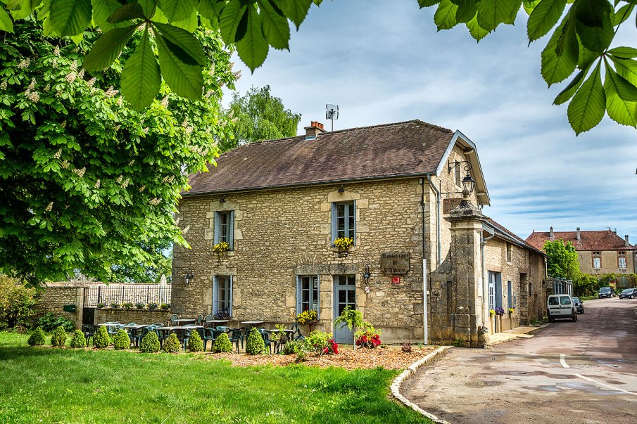 Restaurant in Flavigny-sur-Ozerain