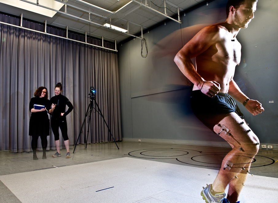 image of an athlete being tested in the LTU gait lab