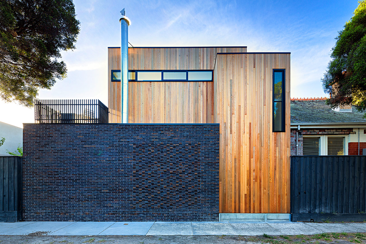Street side view of Elwood residence extension by architect Brett Robertson of Robert Nichol and sons © Michael Evans Photographer 2014
