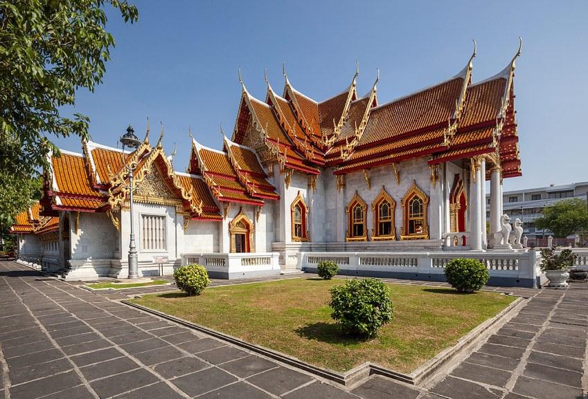 Wat Benchamabophit temple in Bangkok - © Michael Evans Photographer 2014 - www.michaelevansphotographer.com
