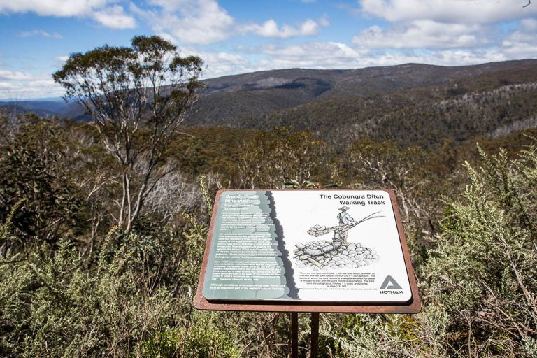 Walking track signage at Mount Hotham - © Michael Evans Photographer 2014