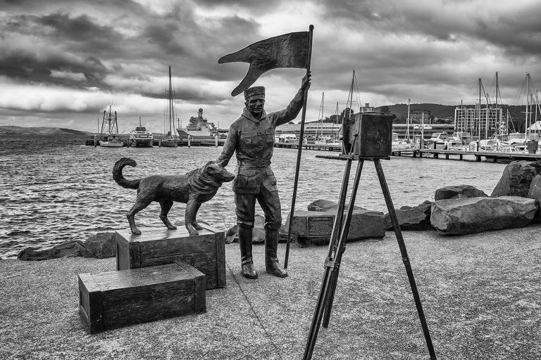 Louis Bernacchi and Joe sculpture, Hobart © Michael Evans Photographer 2015 - www.michaelevansphotographer.com
