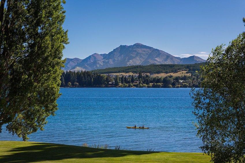 Kayaking on Lake Wanaka  © Michael Evans Photographer 2015
