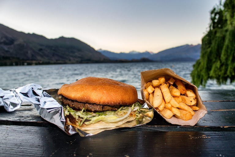 Hamburger in front of Lake Wanaka © Michael Evans Photographer 2015 - www.michaelevansphotographer.com