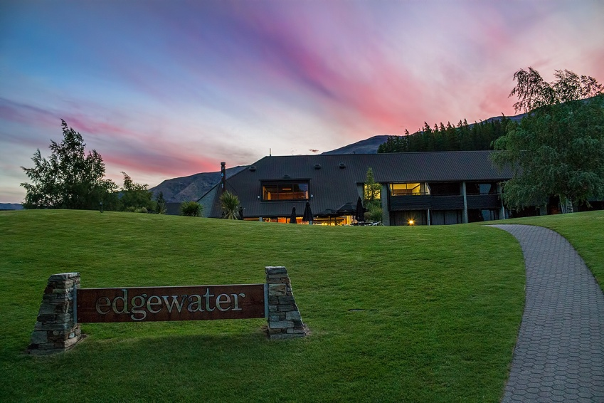 Edgewater Hotel, Lake Wanaka, New Zealand © Michael Evans Photographer 2015