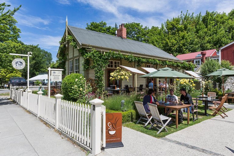 Pub in Arrowtown © Michael Evans Photographer 2015