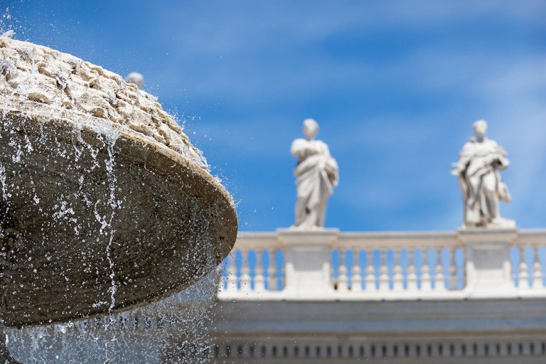 Fountain at St Peter's Square, Rome - © Michael Evans Photographer 2015