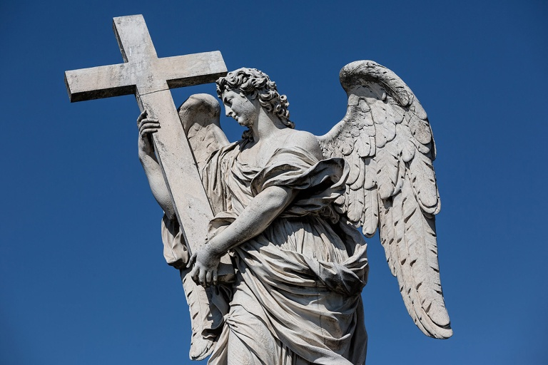 Angel with the Cross sculpture by Ercole Ferrata on Ponte Sant'Angelo, Rome© Michael Evans Photographer 2015