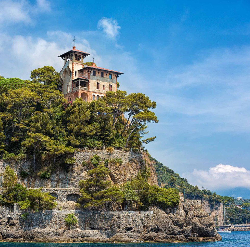 Villa at the entrance to Portofino harbour - © Michael Evans Photographer 2015