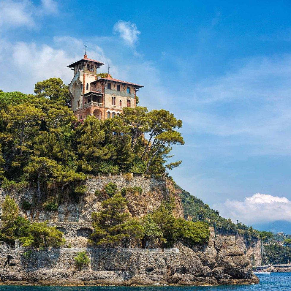 Villa at the entrance to Portofino harbour - © Michael Evans Photographer 2015
