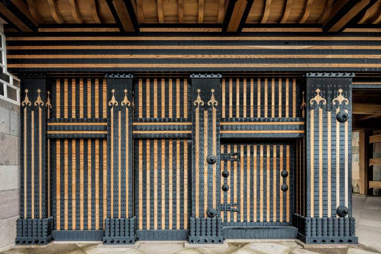 Door detail at Kanazawa Castle © Michael Evans Photographer 2017