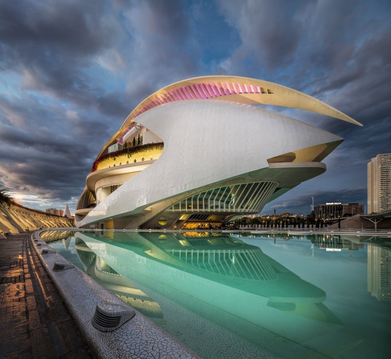 A two image panorama at dusk of El Palau de les Arts Reina Sofía © Michael Evans Photographer 2018
